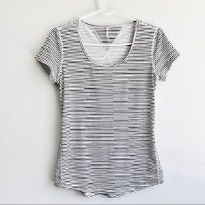 Lucy Activewear B&W striped Tee t-Shirt top shirt